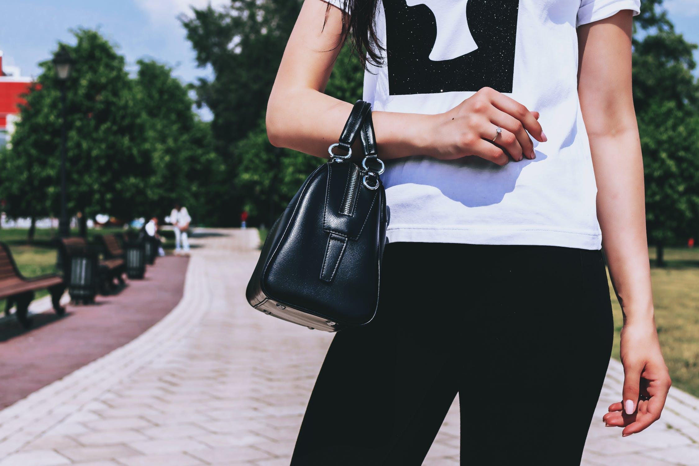 Dlaczego warto mieć torebkę?